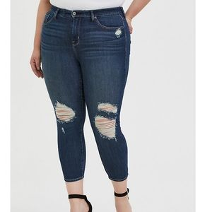 TORRID sky high skinny crop, premium dark wash!